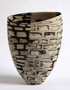 Carolyn Genders | Ceramic vessel