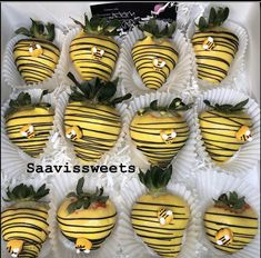 Gender Reveal Party Decorations, Baby Gender Reveal Party, Baby Shower Desserts, Baby Shower Themes, Shower Ideas, Chocolate Covered Treats, Chocolate Dipped, 2nd Baby Showers, Bee Party