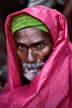 Steve McCurry - Mumbai- Look through their eyes to see what matters most in the world.