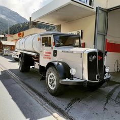 Old Trucks, Jeep, Vehicles, Busse, Trailers, Switzerland, Europe, Nice, Classic