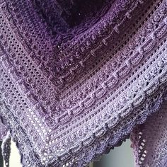 24 vind-ik-leuks, 6 reacties - ☆ Rose Marie Bouw ☆ (@justrose76) op Instagram: 'Another picture of my Lost in time shawl. The border is slightly different, I thought I was running…'