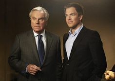 They really do look like they could be father and son.   Robert Wagner & Michael - Father & Son on NCIS