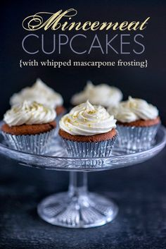 Mince pies are the traditional Christmas treat in England but I think these mincemeat cupcakes with whipped mascarpone frosting are even more irresistible! Cream Filled Cupcakes, Fancy Cupcakes, Mince Meat, Mince Pies, Christmas Cupcakes, Christmas Foods, Christmas Cooking, Christmas Recipes, Christmas Crafts