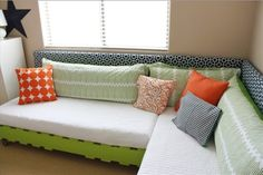 """Like the idea of making wood pallet twin bed platforms and turning it into a """"couch"""" area. Lounge area most of the time, and twin beds when needed for guests! Pallet Twin Beds, Pallet Daybed, Pallet Furniture, Pallet Couch, Diy Daybed, Diy Couch, Diy Pallet, How To Make Headboard, Diy Casa"""