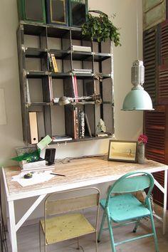 Revista de Decoración Online by Crazy Mary http://crazymaryrevista.wordpress.com/2013/06/20/el-inspirador-espacio-de-trabajo-de-cecilia-mallardi-en-casa-decor/