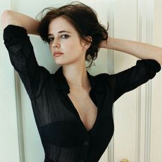 Eva Green -Watch Free Latest Movies Online on - fashion beauty Eva Green Casino Royale, Bond Girls, Pretty People, Beautiful People, Beautiful Women, Actress Eva Green, Isabelle Adjani, French Actress, Woman Crush