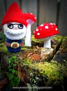 Free+Knitting+Pattern+-+Toys,+Dolls+&+Stuff+Animals:+Mr.+Gnome+Plush+Toy