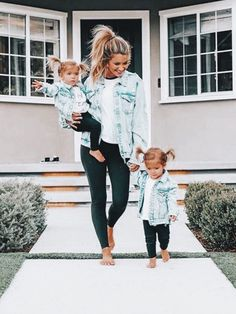 So cute little's fashion future mom, kids outfits, baby gir Mother Daughter Matching Outfits, Mommy And Me Outfits, Mother Daughters, Mother Daughter Fashion, Mommy Baby Matching Outfits, Mother Daughter Photos, Young Mom Outfits, Baby Girl Fall Outfits, Little Boy Outfits