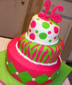 Sweet 16 Birthday Cake and Cupcake Ideas