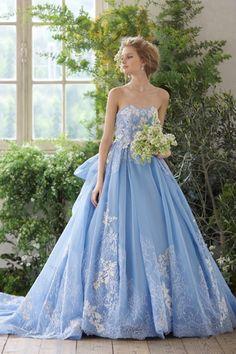 that blue wedding gown #southernbelle #orangebeachbesuty #lisajohnsonbridal