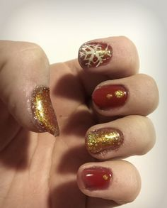 Christmas nails #snowflakes #burgundy #golden #gellack #nailart