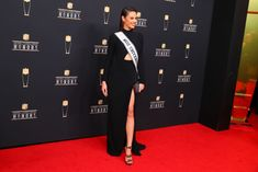 Miss Universe Catriona Gray from The Philippines. poses for photos at the NFL Honors Red Carpet on February 2019 at theFox Theatre in Atlanta, GA. Get premium, high resolution news photos at Getty Images Gray Instagram, Poses For Photos, Grey Fashion, Philippines, Theatre, Red Carpet, Atlanta, Nfl, February