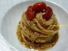 spaghettoni Freddi alle Mandorle e datterini confit