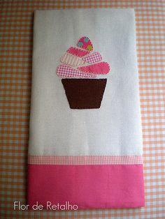 Uma ótima semana para vocês e para que ela seja mais doce... que tal um Cupcake?!