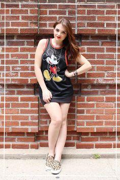 Karol Pinheiro » Look da Ka: Tênis de oncinha e jersey do Mickey