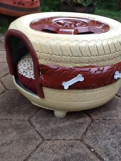 Tire Craft, Tyres Recycle, Diy Dog Bed, Dog Furniture, Furniture Stores, Old Tires, Dog Rooms, Diy Stuffed Animals, Dog Houses