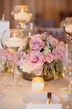 5 centros de mesa para bodas con copas de vidrio
