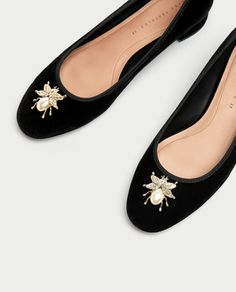 Image 5 of VELVET BALLERINAS WITH METAL DETAIL from Zara