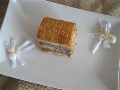 decorazione torta fredda di biscotti