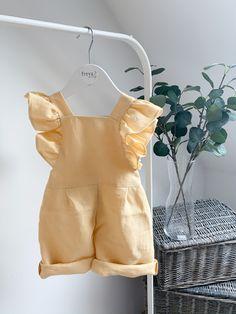Jumpsuit For Kids, Short Jumpsuit, Newborn Outfits, Kids Outfits, Toddler Fashion, Kids Fashion, Baby Dress Design, Boutique Interior, Kids Shorts