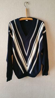 "Vintage Mens Knitwear V Neck Jumper/Sweater Navy with White V Pattern -Size Large 44"""
