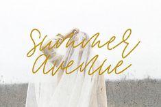 Summer Avenue Font S