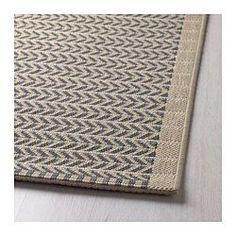 IKEA - LOBBÄK, Teppich flach gewebt, Besonders geeignet für Wohnzimmer oder unter Esstischen. Stühle lassen sich auf der glatten Oberfläche gut bewegen, das Staubsaugen wird erleichtert.Auch für draußen geeignet - hält Regen, Sonnenlicht, Schnee und Verschmutzung stand.Ist der Teppich nass, kann er zum Trocknen über eine Teppichstange gehängt oder locker aufgerollt und dann aufrecht hingestellt werden.