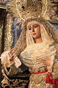 Esperanza de Triana (@EspDeTriana) | Twitter Madonna, Verge, Our Lady Of Sorrows, Queen Of Heaven, Midnight Memories, Catholic Art, Blessed Mother, Christian, Outline