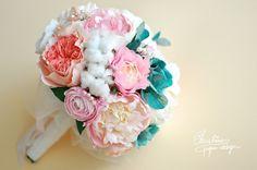 Paper flowers alternative bridal bouquet.