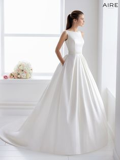 Aire Barcelona Bliss Collection 2018 - Boutique the Bride: collection of romantic bridal dresses, beach wedding dresses, vintage bridal gowns, classic bridal gowns . Classic Wedding Dress, Princess Wedding Dresses, Perfect Wedding Dress, Bridal Wedding Dresses, Dream Wedding Dresses, Tulle Wedding, Wedding Themes, Bateau Wedding Dress, 2017 Bridal