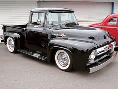Chevy trucks aficionados are not just after the newer trucks built by Chevrolet. They are also into oldies but goodies trucks that have been magnificently preserved for long years. Pickup Auto, 1956 Ford Pickup, 1956 Ford Truck, Ford Pickup Trucks, 1954 Ford, Vintage Trucks, Old Trucks, Ford Bronco, Cadillac