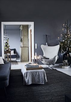Modern living room with minimalistic Christmas Interior Design. Christmas Interiors, Christmas Home, Norwegian Christmas, Dark Christmas, Interior Exterior, Room Interior, Living Room Decor, Living Spaces, By Lassen