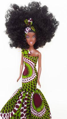"""Des poupées habillées en pagne wax pour vos tibébou. """"habille la comme toi"""" African Dolls, African American Dolls, Beautiful Barbie Dolls, Vintage Barbie Dolls, African Print Fashion, African Fashion Dresses, Original Barbie Doll, Diva Dolls, Art Dolls"""