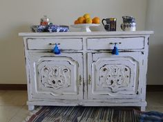 +VINTOUCH+ MUEBLES ,RECICLADOS ,PINTADOS A MANO : MUEBLE ANTIGUO BLANCO DECAPADO Deco, Decor, Furniture, Cabinet, Painted Furniture, Vintage Furniture, Love Home, Home Decor, New Room