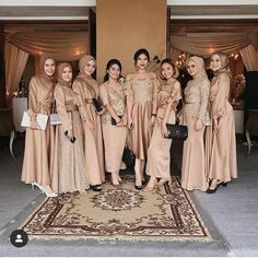 Kebaya Modern Hijab, Dress Brokat Modern, Kebaya Hijab, Kebaya Dress, Dress Pesta, Hijab Prom Dress, Hijab Style Dress, Hijab Wedding Dresses, Long Bridesmaid Dresses