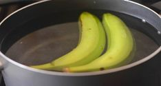 The mixture of boiled banana and cinnamon is considered to be a very potent natural cure, even more powerful than pills. Namely, it is highly recommendable for people who suffer from insomnia, people Natural Sleep Remedies, Natural Cures, Natural Treatments, Bananas, Banana Cinnamon Tea, Detox Pills, Natural Sleeping Pills, Insomnia Remedies, Homemade Detox
