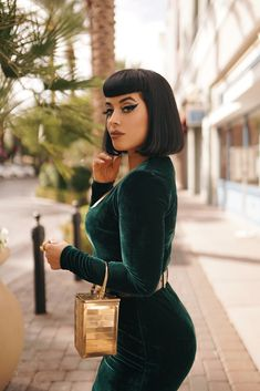 Sometimes I watch girl become goddess and the metamorphosis is more magnificent than anything I have ever known. Pin Up Outfits, Cute Outfits, Fashion Outfits, Bettie Page, Emerald Green Velvet Dress, Retro Fashion, Vintage Fashion, Goth Glam, Rockabilly Hair