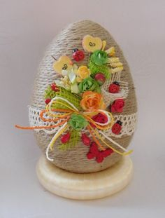 Egg Crafts, Easter Crafts, Diy And Crafts, Easter Projects, Egg Art, Quilling, Easter Eggs, Spring, Floral