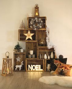 15 Unique Christmas Tree Decorations That's Simply Fascinating - HomelySmart Unique Christmas Trees, Noel Christmas, Christmas 2019, Christmas Crafts, Xmas Tree, Christmas Christmas, Christmas Tables, Magical Christmas, Scandinavian Christmas