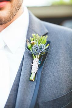 Boutonniere Idea | Elizabeth Harvey Photography | Theknot.com