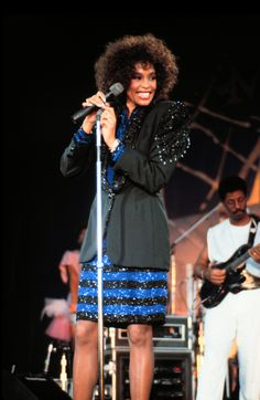 Whitney Houston Dies, Her Glittering Style Remembered (PHOTOS) | HuffPost