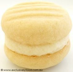 These rich, fine-textured, buttery biscuits have a sweet, lemony filling. Makes 20 filled biscuits. Biscuit Cookies, Biscuit Recipe, Cake Cookies, Cookie Desserts, Cookie Recipes, Dessert Recipes, Melting Moments Cookies, Buttery Biscuits, Perfect Food