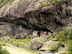 Helleren Joesenfjorden, Norway