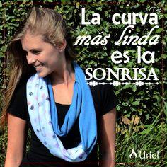 Feliz domingo para todos y nunca olvidemos sonreír!  www.instagram.com/uriel.mujer