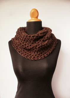 Free Crochet Pattern for a Chunky Cowl