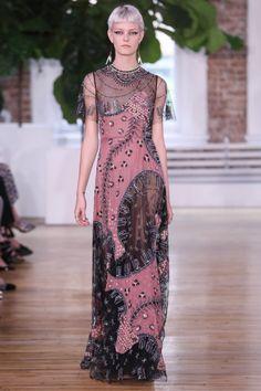 Valentino коллекция | Коллекции весна-лето 2018 | Нью-Йорк | VOGUE