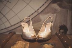 Gold sling back, peep toe sandals | Photography by http://www.nickrosephotography.com/