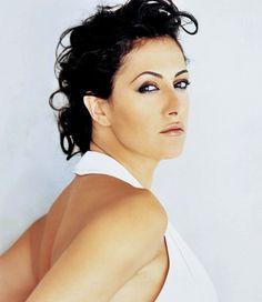 Meltem Cumbul born November 5 1969 in Akehir Turkey is a Turkish actress and TV personality Golden globes 2012 meltem cumbul alt n k re d lleri konu mas Culture Pop, Celebrity Photos, Actresses, Celebrities, Makeup, Hair, Beauty, Personality, Characters