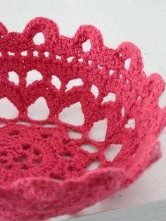 Crochet Bow  (pattern: http://www.ravelry.com/patterns/library/filigree-bowl)