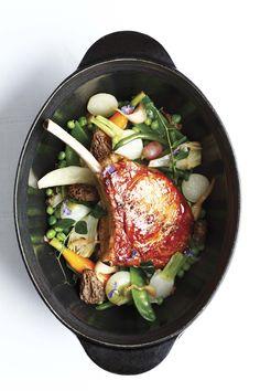 Côte de veau en cocotte de légumes. #Food #Dinner